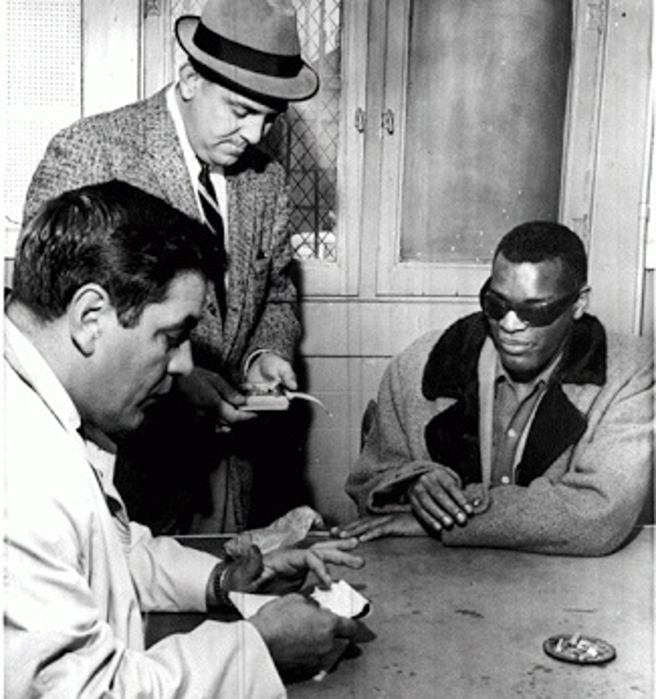 Ray Charles was arrested by Logan Airport in Boston / 1964