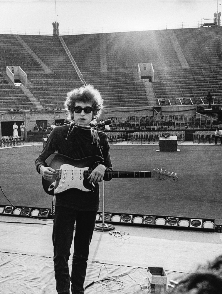 Sound check before the show, Forest Hills Tennis Stadium, Queens, New York / August 28, 1965